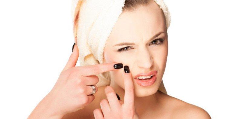 أخطاء تفعليها يومياً تؤذي بشرتك
