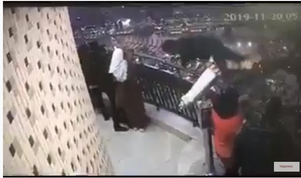لحظة انتحار طالب الهندسة من اعلي برج القاهرة