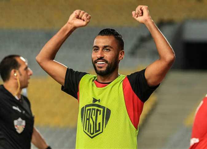 مفاجأة.. حسام عاشور يتفوق على ميسي برقم جديد
